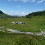le refuge Anterne Alfred Wills depuis la montée vers le lac d'Anterne